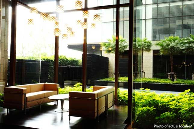 ดิ เอ็มโพริโอ เพลส [The Emporio Place] อาคาร 1